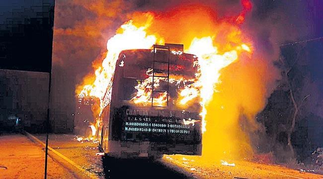 24 people live death in uttar pradesh - Sakshi