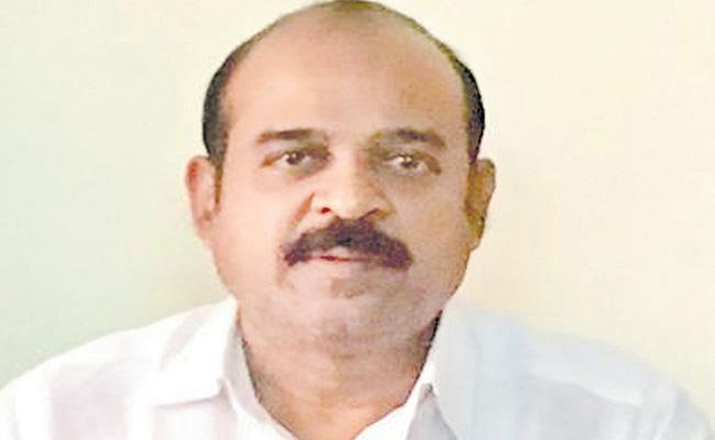 Karunakara Reddy Demands To Implement EWS Immediately - Sakshi