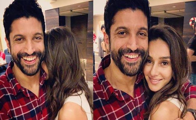 Farhan Akhtar Plans To Tie Up With His Girl Friend In 2020 - Sakshi