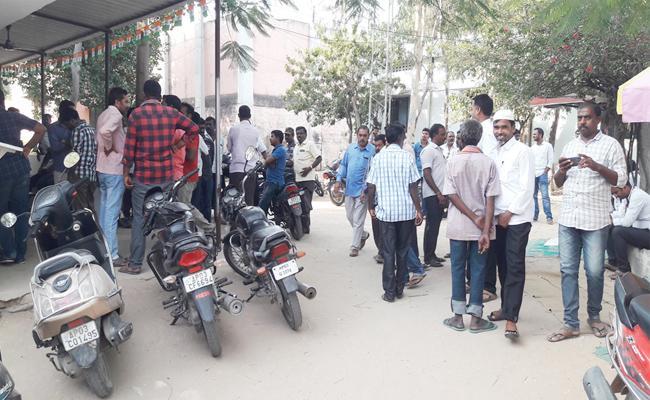 ACB Attack on Madanapalle Sub Registrar Office - Sakshi