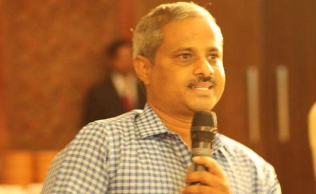 Purushottam Reddy Questined Chandrababu Naidu On AP Capital - Sakshi