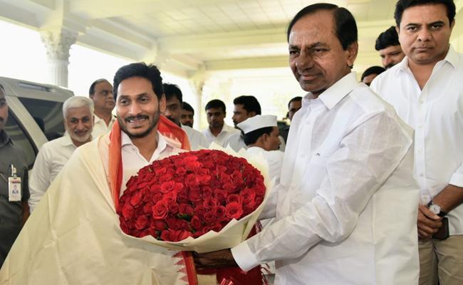 CM YS Jagan Meet Telangana CM KCR - Sakshi