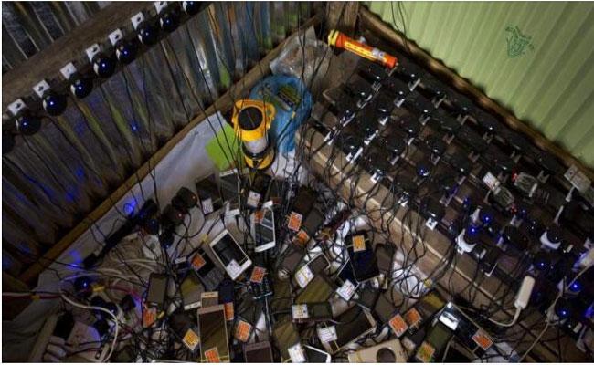 Mobile Phones Stolen From Police Station In Maharashtras Kolhapur - Sakshi