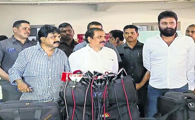 High Power Committee seeking Capital Farmers Opinions - Sakshi