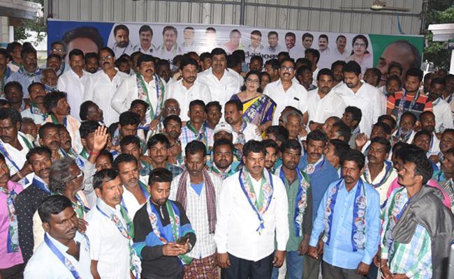 Leaders Join YSRCP In Srikakulam District - Sakshi