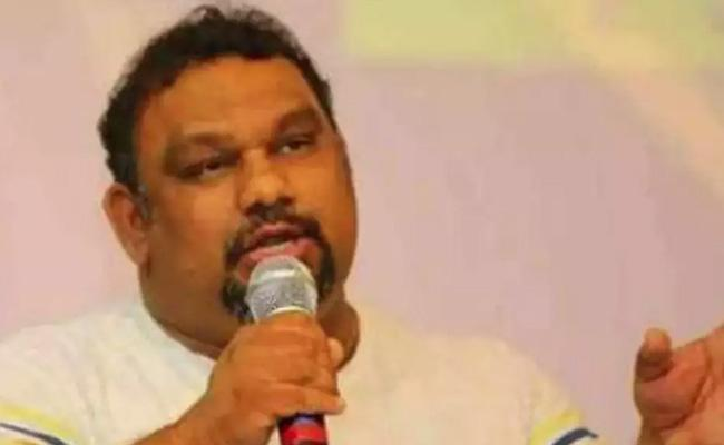Actor kathi Mahesh Supports Three Capital IN Andhra Pradesh - Sakshi