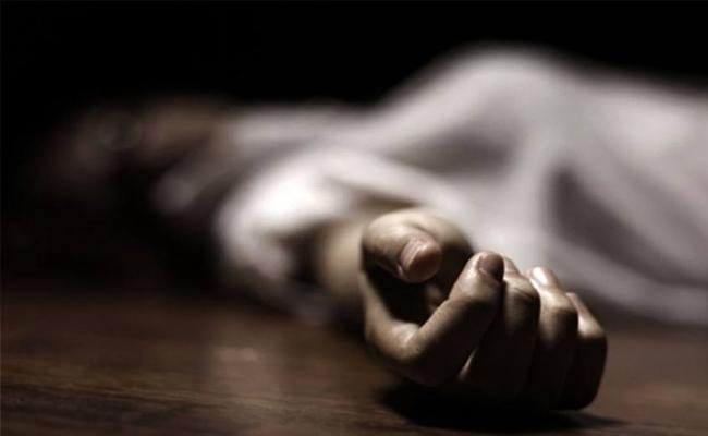 22 Year Old Woman Dies After Fall From Third Floor In Rangareddy District - Sakshi