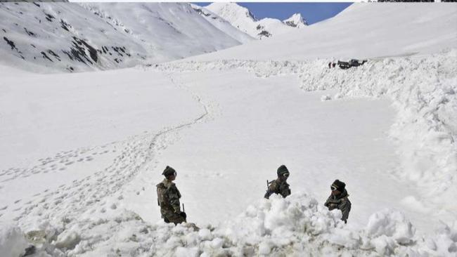 Multiple Avalanches Hit Jammu And Kashmir - Sakshi