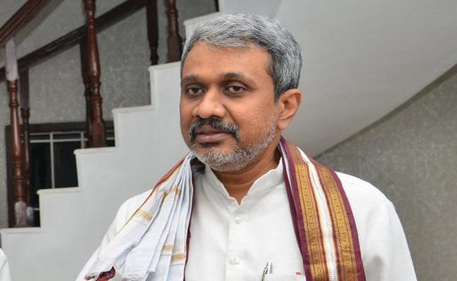 Case filed against Chalasani Srinivas - Sakshi