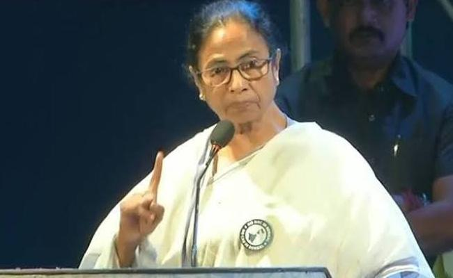 BJP leader Surendra Singh Likens Mamata Banerjee To A Demon - Sakshi