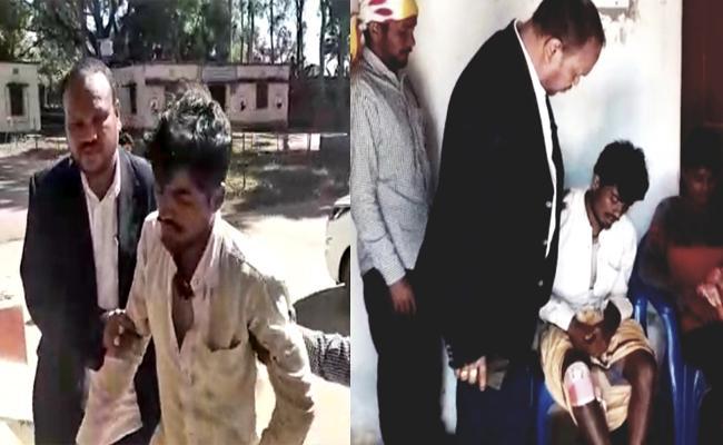 MLA Manohar Randhari Helps Road Accident Victims in Odisha - Sakshi