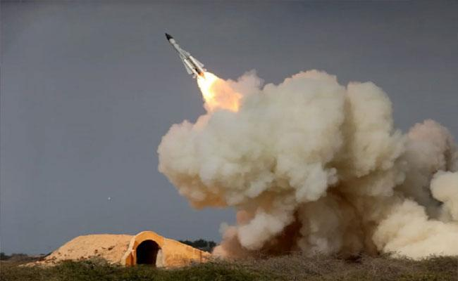 Military Says Rockets Target Iraq Airbase Hosting US Forces - Sakshi