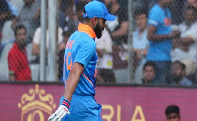 Matthew Hayden Comments On Virat Kohli Batting At No 4 In ODIs - Sakshi