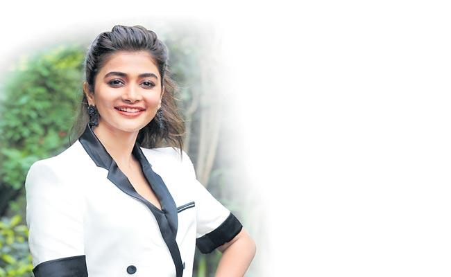 My Goal Is To Become An Indian Star Says Pooja Hegde - Sakshi