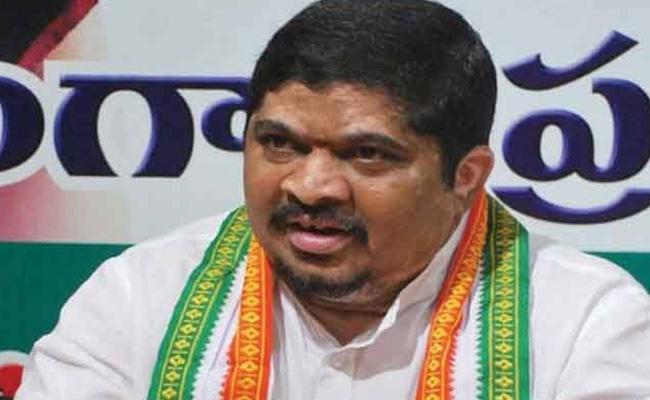 Ponnam Prabhakar Slams On KCR Over Municipal Elections - Sakshi
