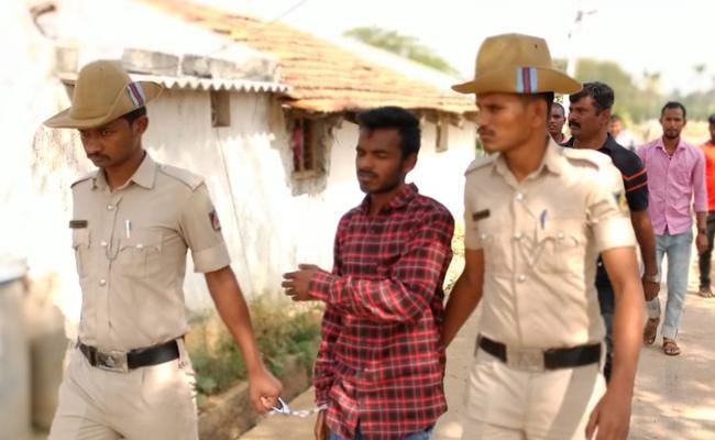 Boyfriend Killed Minor Girl in karnataka - Sakshi