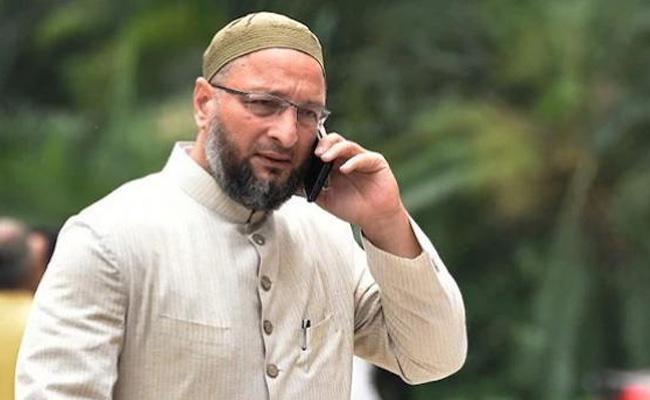 Municipal elections:Congress lodges complain to EC against Asaduddin Owaisi - Sakshi
