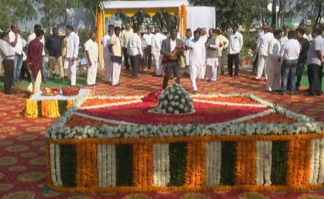 Congress Leaders Tribute To Jaipal Reddy In hyderabad - Sakshi