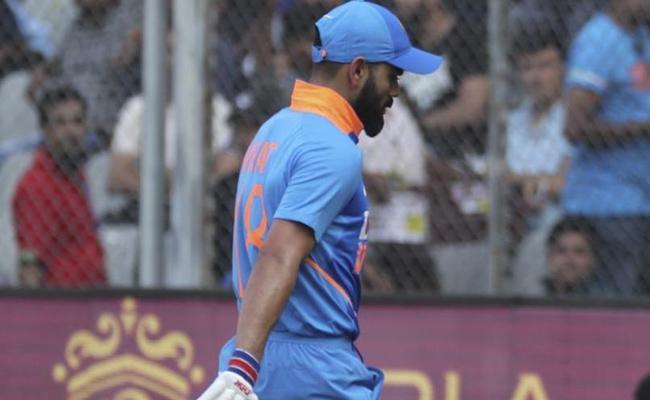 Kohli Not Showing Enough Respect To Zampa, Steve Waugh - Sakshi