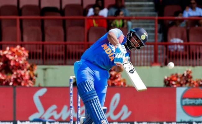Pant To Miss Rajkot ODI Due To Concussion - Sakshi