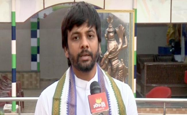Adeep Raj Satirical Comments On Pawan Kalyan - Sakshi