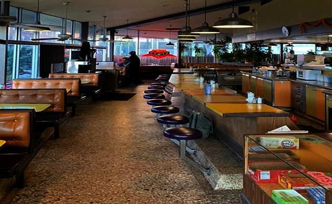 Restaurant In Denver Charges Bill For Asking Stupid Questions - Sakshi