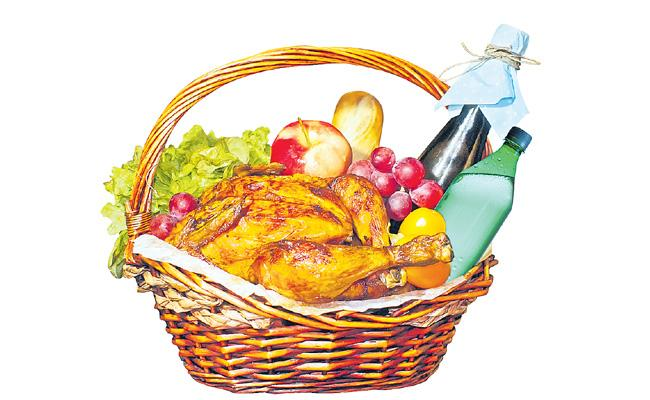 Distribution Heavily Alcohol And Meat By Municipal Contestants In Telangana - Sakshi