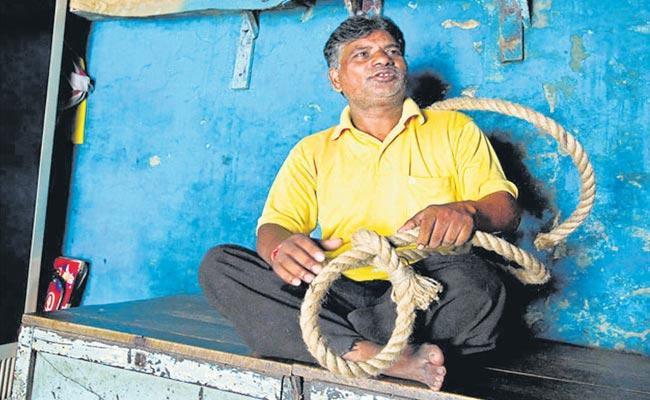 Ready To Hang Nirbhaya Case Convicts Says Pawan Jallad - Sakshi