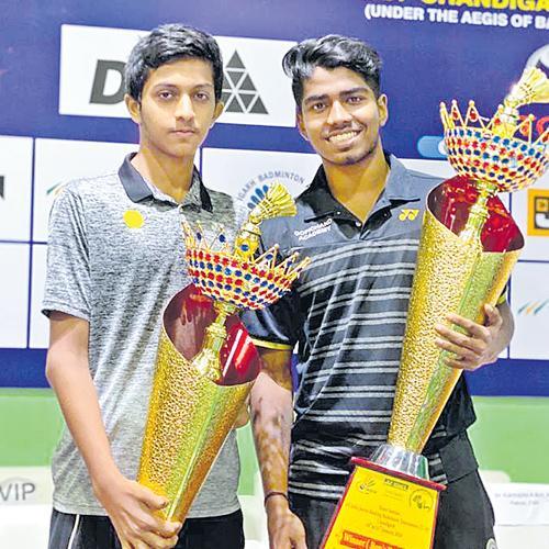 Sai Vishnu Pair Lift Under 19 Badminton Title - Sakshi