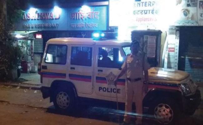 Mumbai Police Bust Immoral Activities In Andheri - Sakshi
