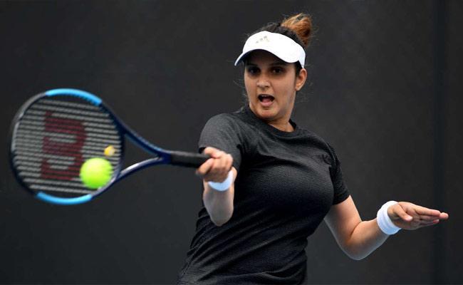 Sania Mirza and Nadiia Enters Womens Doubles Final At Hobart - Sakshi