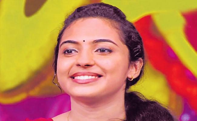 Malayalam Woman Mimicry Artist Akhila - Sakshi