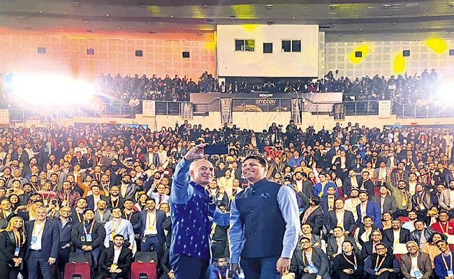 Amazon has big plans in India - Sakshi