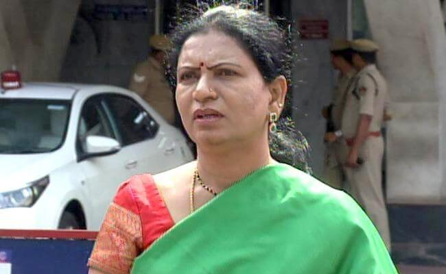 DK Aruna Slams On TRS Government And KCR - Sakshi