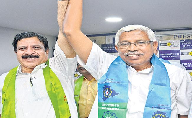 Cheruku Sudhakar And Kodanda Ram Comes Together For Joint operation - Sakshi