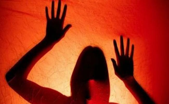 Molestation On Girl In Prakasam District - Sakshi