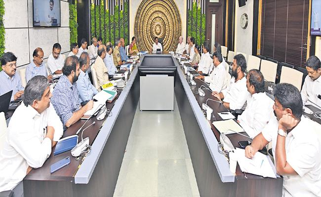 Botsa Satyanarayana Comments On Chandrababu About AP Capital farmers - Sakshi