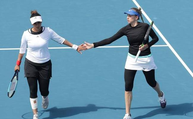 Sania Mirza Wins Hobart International Doubles Title - Sakshi