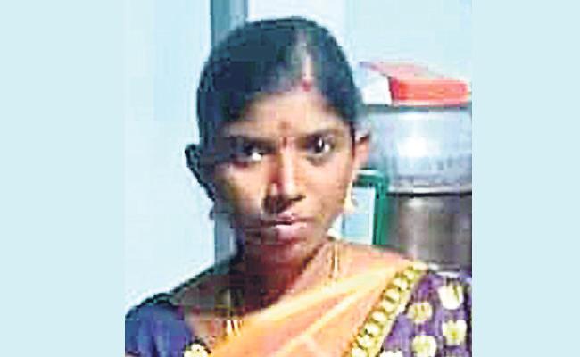 Women Died In Medak - Sakshi