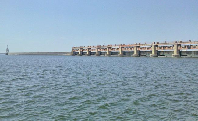 CM KCR Meeting With Engineers On 24th Over Godavari Water - Sakshi