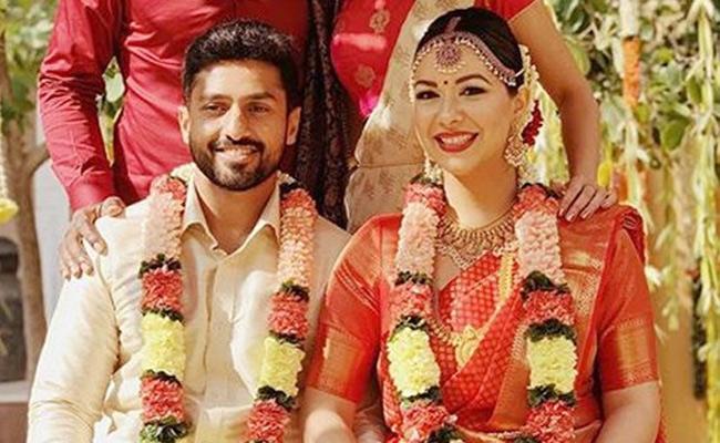 Karun Nair Marries Girlfriend Sanaya Tankariwala - Sakshi