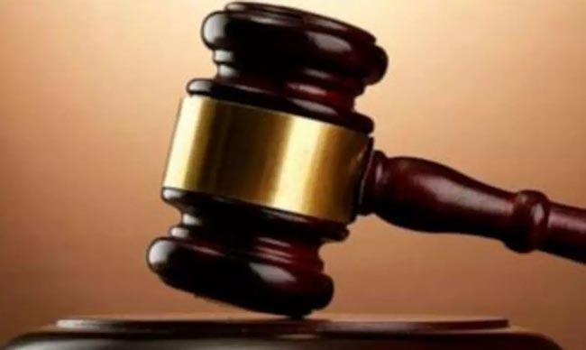 Delhi court convicts 2 men for  five year old girl molestation - Sakshi