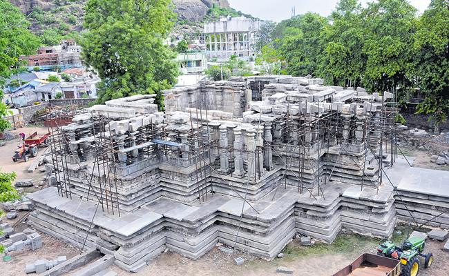 UNESCO Raises Doubts Over Ramappa Temple Development - Sakshi