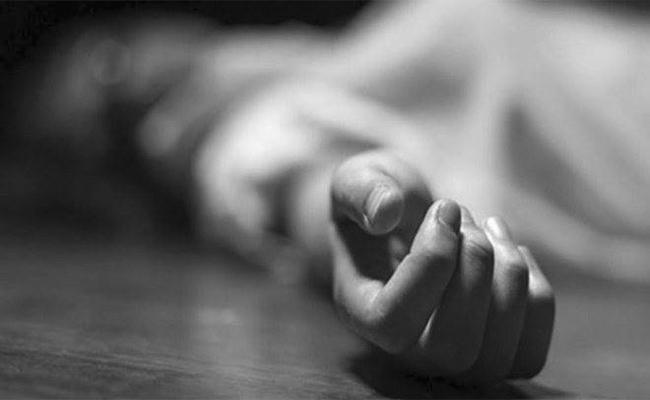 Women Committed Suicide In Khammam - Sakshi