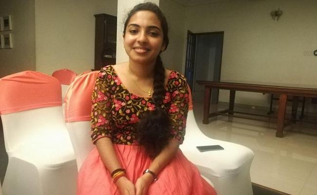 From Kamal Haasan to Oommen Chandy this Kerala woman mimics 51 voices in 4 minutes - Sakshi