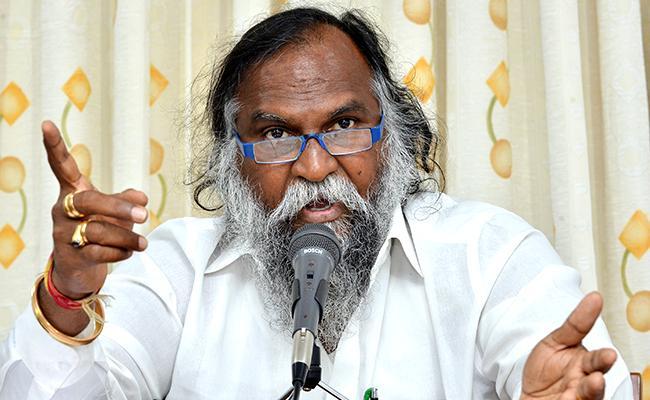 Jagga Reddy Fires On Errabelli Dayakar  - Sakshi