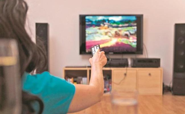 Watch more channels at lesser cost now Trai new tariff order  - Sakshi