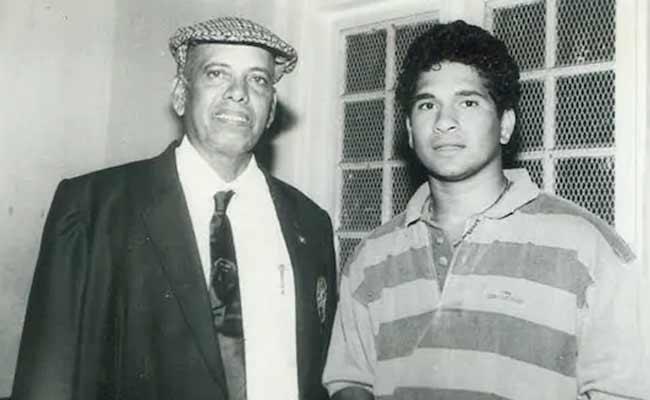 Sachin Tendulkar Emotional Tribute For Ramakant Achrekar - Sakshi