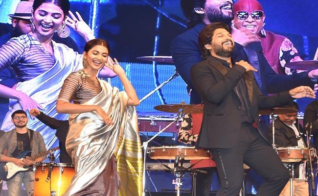 Ala Vaikunthapurramuloo Movie Success Celebrations In Visakhapatnam - Sakshi