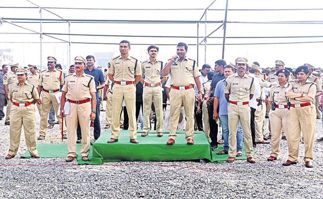 Police have strengthened huge security arrangements for AP Assembly Sessions - Sakshi